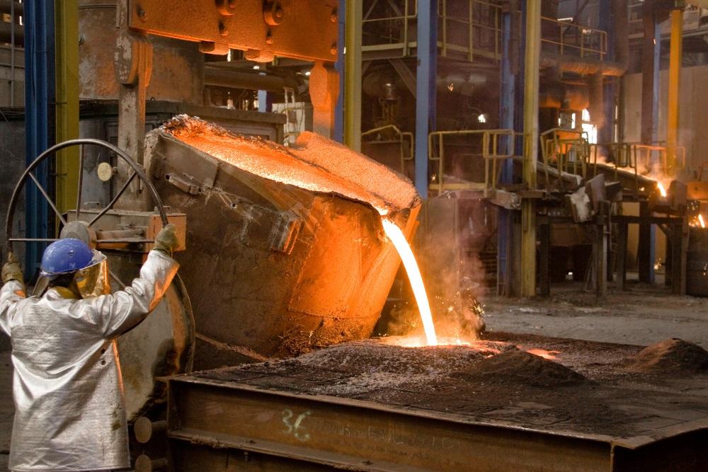Coulée d'acier à la poche avant traitement thermique
