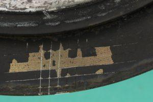 Test de quadrillage sur pièce après essai de corrosion au brouillard salin