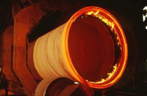 Usine-de-Saint-Gobain-PAM - tuyau en fonte centrifugée.