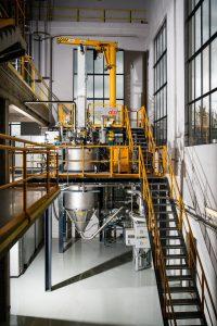 Tour d'atomisation EIGA installée à MetaFensch pour les alliages de titane.