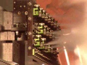 Manifold de poteyage avec buses de pulvérisation et buses de soufflage.