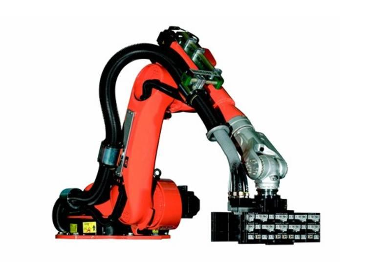 Robot de poteyage positionné au dessous de la machine.