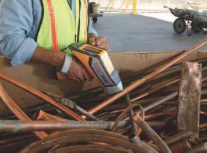 Spectromètre mobile utilise sur chantier.
